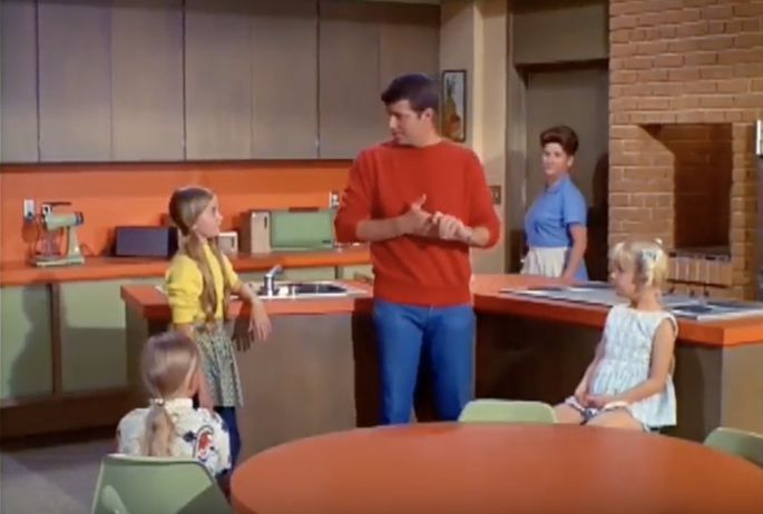 Hgtv Buys Brady Bunch House To Duplicate 70s Look From