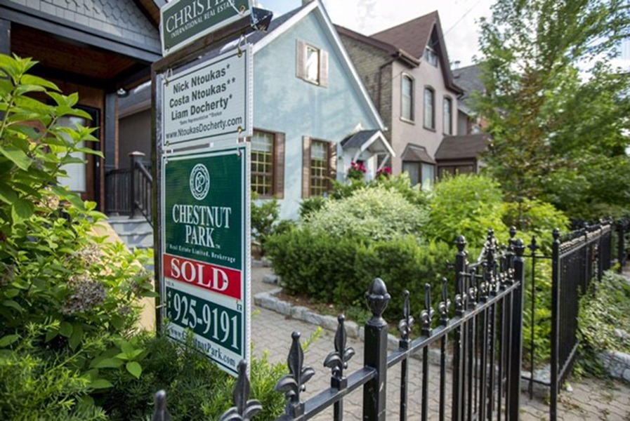 Peerage Realty Partners manages some of the most prestigious real estate companies across the country, including Toronto's Chestnut Park Real Estate Ltd. and Baker Real Estate Corp.