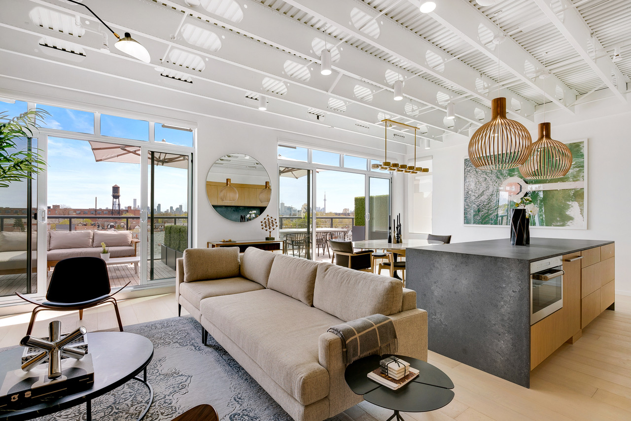 Junction penthouse