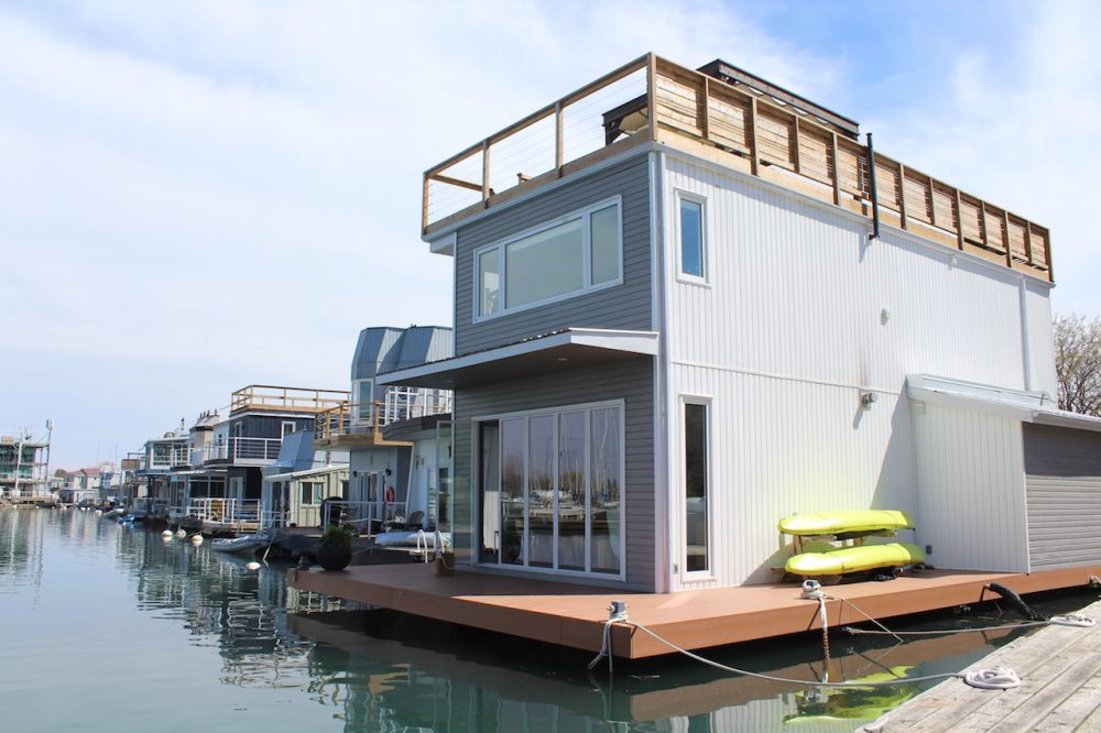 Park Marina Motors >> Life On A Floating Home In Toronto (Can Be Less Expensive ...