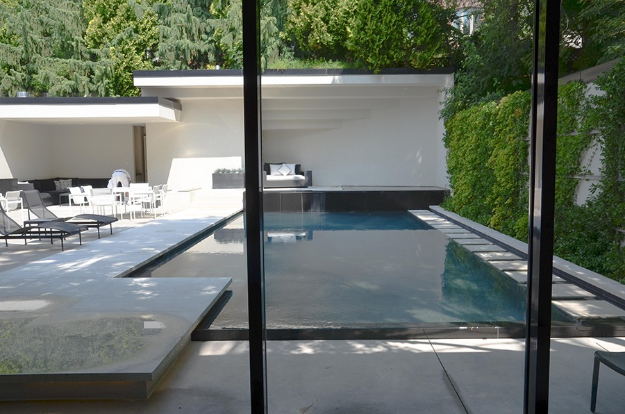 A stunning pool area put in by Leslie Flatt while renovating the house to make it more family-friendly.