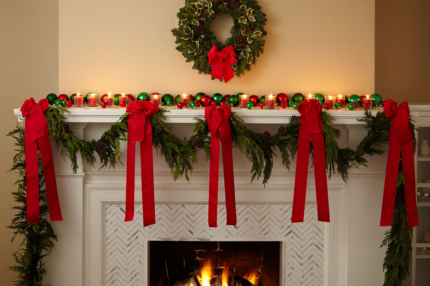 holiday-decor-deck-the-halls