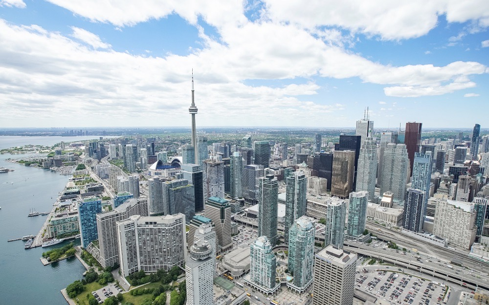 Many young Canadian families live in high-rises